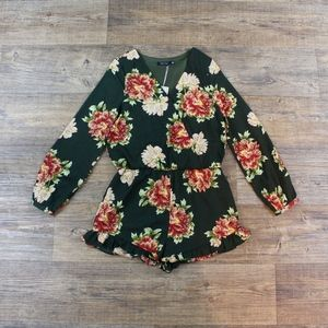 Doe & Rae NWT Floral Romper Size S!
